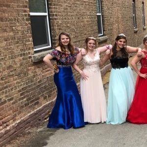 Ellie Wilde Prom dress